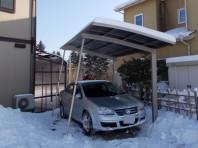 積雪対策にはサポート柱が有効です