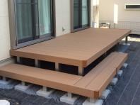 ウッドデッキの施工には、基礎の柱選びがが大切