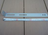 9-1転倒防止金具は約30cmほど長すぎる場合はカットする場合もあります。