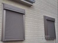 窓シャッターで空き巣対策。