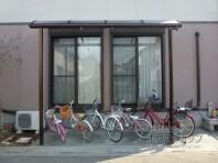 テラス屋根を自転車置き場に活用