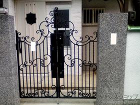 の門扉 ヴィア・ル・クラシコ ハンナ 両開き 柱使用 施工例