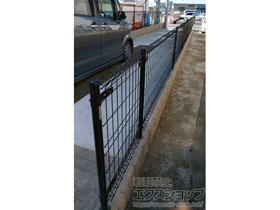 のフェンス・柵 イーネットフェンス1M型 間仕切り柱タイプ<A> 施工例