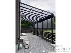 のテラス屋根 ソラリア F型 テラスタイプ 単体 積雪〜20cm対応+ ソラリア 前面パネル 施工例