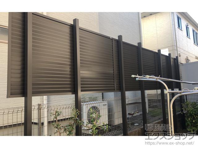大阪府和泉市ののフェンス・柵 プレスタフェンス8型 横ルーバー アルミ多段柱使用 施工例